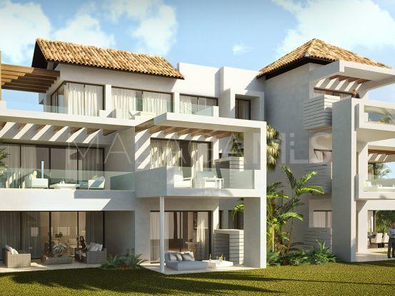 Comprar apartamento planta baja de 3 dormitorios en Marbella Club Hills, Benahavis | Pure Living Properties