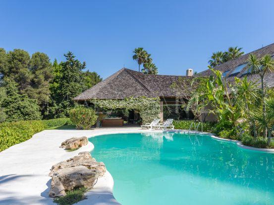 Villa en venta en Rio Real Golf, Marbella Este | Pure Living Properties