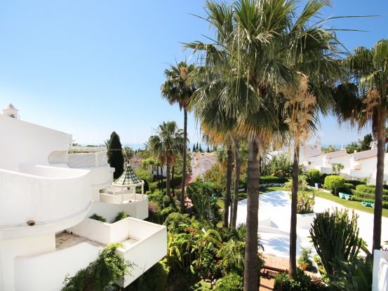 For sale town house with 4 bedrooms in Cascada de Camojan, Marbella Golden Mile | Pure Living Properties