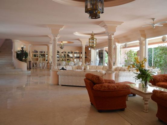 Villa a la venta de 8 dormitorios en Nagüeles, Marbella Golden Mile | Pure Living Properties