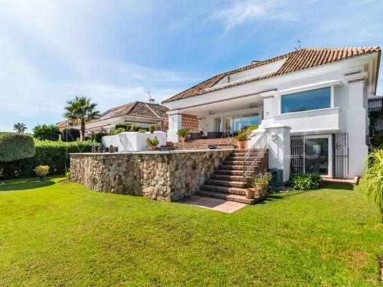 Comprar villa en Aloha, Nueva Andalucia | Pure Living Properties