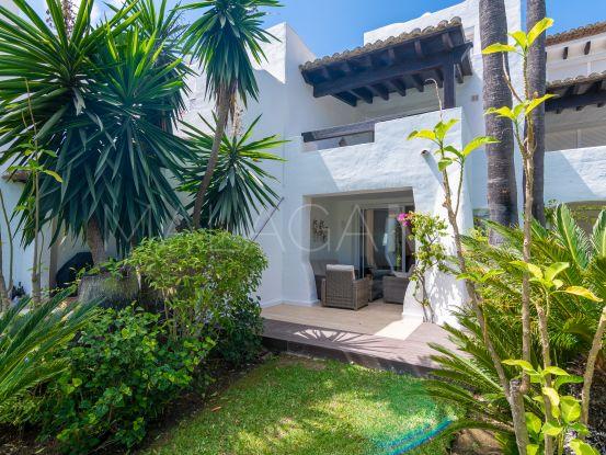 Se vende adosado con 4 dormitorios en Costalita, Estepona | Pure Living Properties