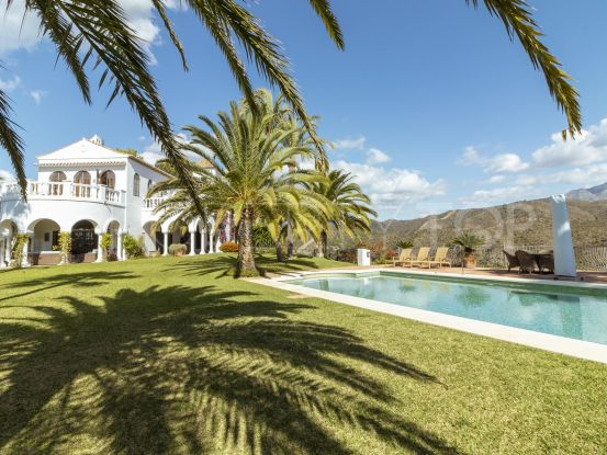 Villa for sale in El Madroñal with 5 bedrooms | Pure Living Properties