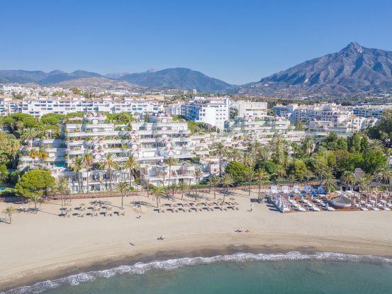 Duplex planta baja de 6 dormitorios en venta en Gray D'Albion, Marbella - Puerto Banus | Pure Living Properties