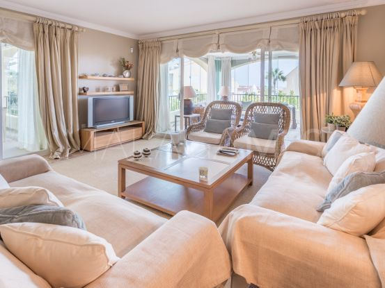 Se vende apartamento en Bahia de Marbella con 4 dormitorios | Pure Living Properties