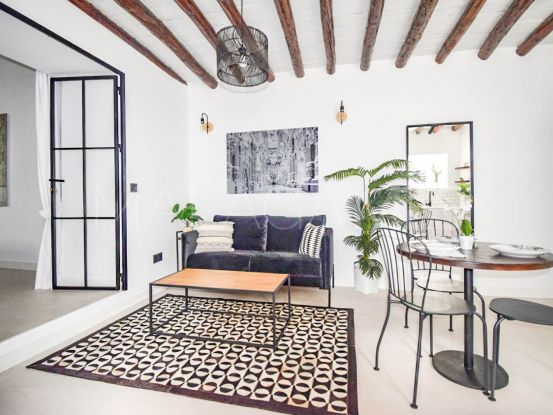 For sale apartment with 2 bedrooms in Estepona Old Town | Campomar Real Estate