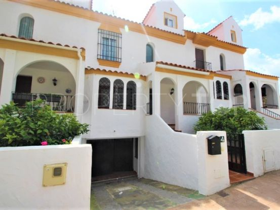 For sale town house with 4 bedrooms in Seghers, Estepona | Campomar Real Estate