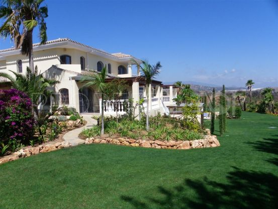 For sale Don Pedro villa with 6 bedrooms   Campomar Real Estate