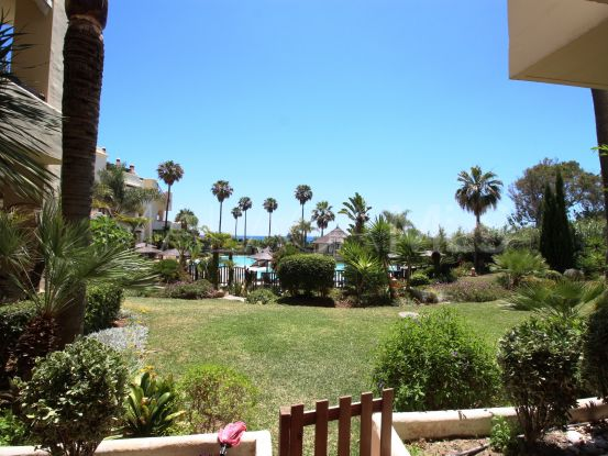 For sale ground floor apartment in Bahía del Velerín, Estepona | Campomar Real Estate