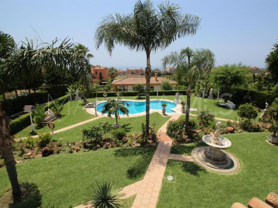 For sale 8 bedrooms villa in Estepona | Campomar Real Estate