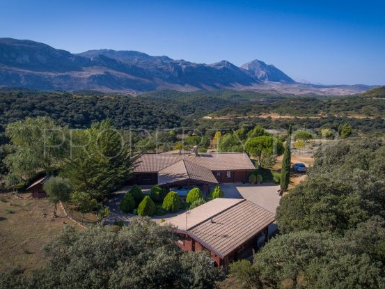 Cortijo for sale in Antequera with 6 bedrooms | Villas & Fincas