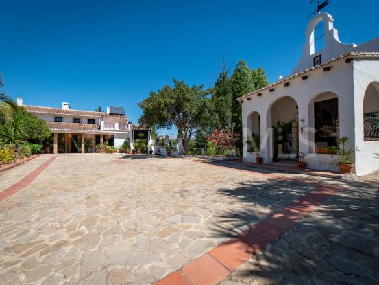 For sale Alora country house with 8 bedrooms | Villas & Fincas