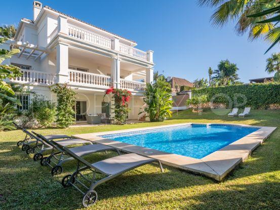 For sale 5 bedrooms villa in Parcelas del Golf, Nueva Andalucia | Andalucía Development