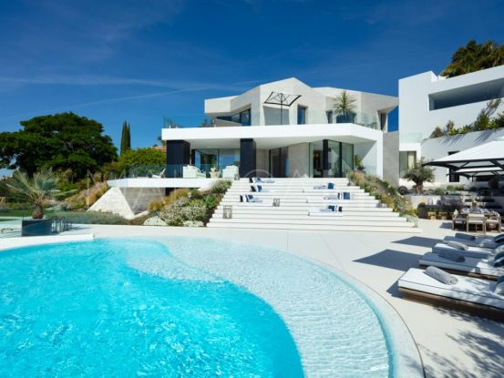 For sale villa in El Herrojo with 5 bedrooms | Andalucía Development