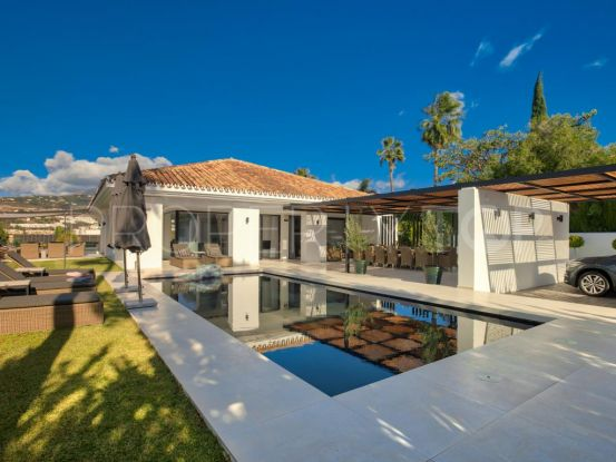 5 bedrooms villa for sale in Los Naranjos Golf, Nueva Andalucia | Andalucía Development