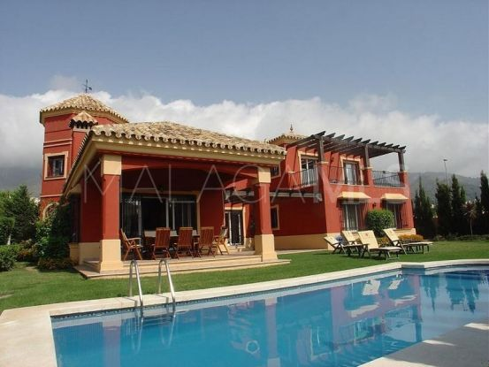 Villa con 3 dormitorios a la venta en Marbella | Nevado Realty Marbella