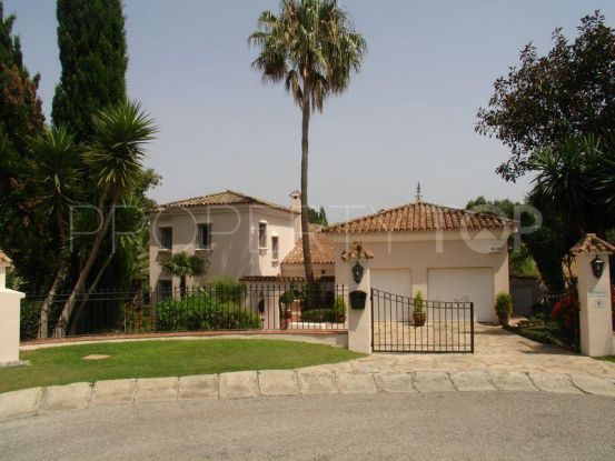 Buy villa in Sotogrande Costa with 3 bedrooms | John Medina Real Estate