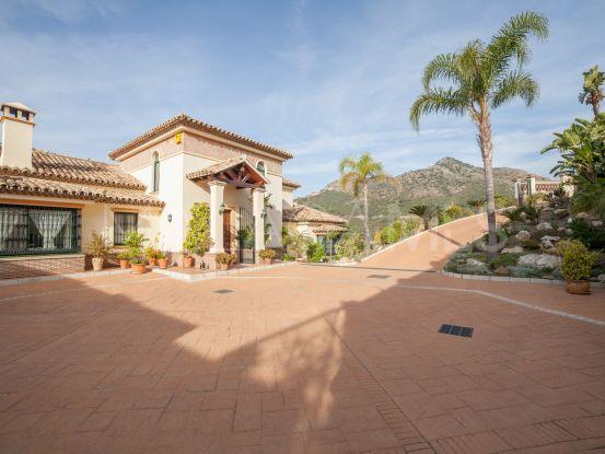 Villa a la venta en Marbella Club Golf Resort de 4 dormitorios   DM Properties