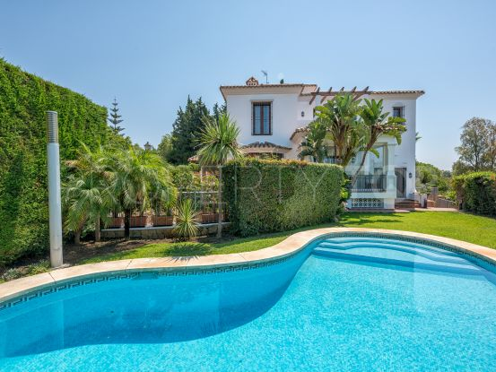 Villa with 6 bedrooms in El Rosario, Marbella East | DM Properties