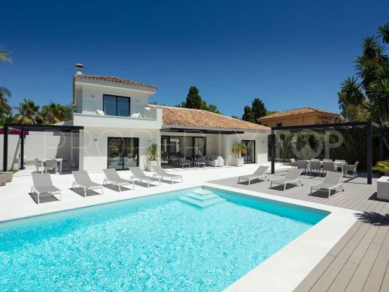 Buy villa in Cortijo Blanco with 4 bedrooms | DM Properties