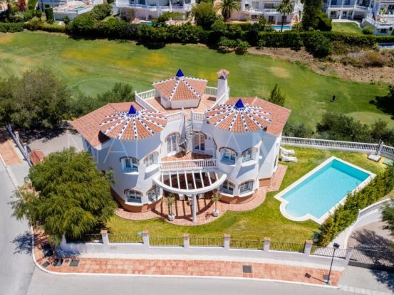 El Chaparral villa for sale | Atrium