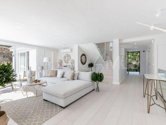Villa with 4 bedrooms for sale in Los Naranjos Hill Club, Nueva Andalucia | Atrium