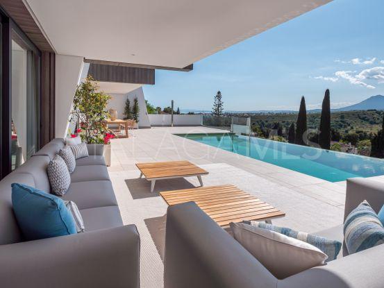 Buy El Paraiso villa with 5 bedrooms   Atrium