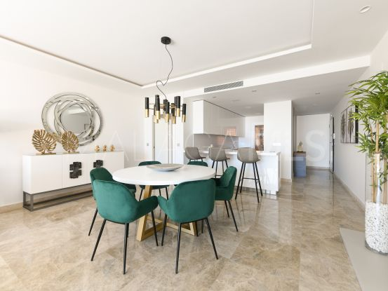Buy apartment in Nueva Andalucia with 3 bedrooms | Atrium