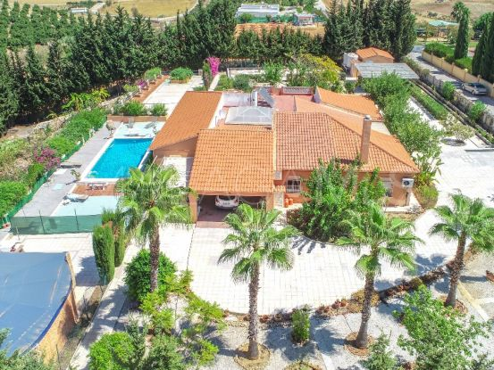 For sale Alhaurin de la Torre finca with 6 bedrooms | Your Property in Spain