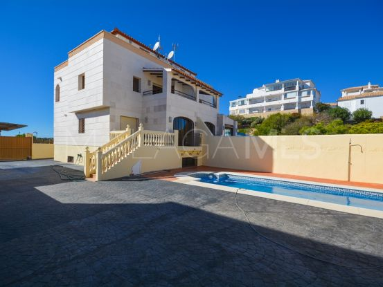 Semi detached villa for sale in Torrequebrada with 5 bedrooms | Your Property in Spain