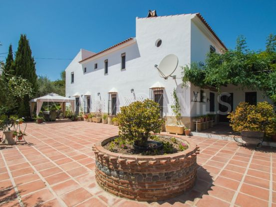 For sale finca with 5 bedrooms in Pizarra | Your Property in Spain