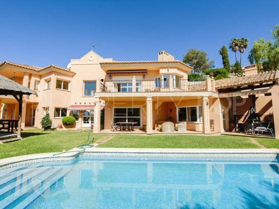 Villa en venta de 4 dormitorios en Hacienda las Chapas, Marbella Este | Your Property in Spain