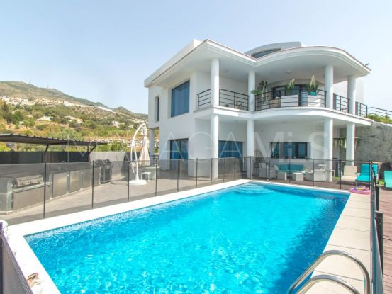 Villa for sale in Torremuelle, Benalmadena | Your Property in Spain
