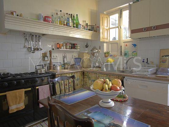 Buy 3 bedrooms town house in Guaro | Michael Moon