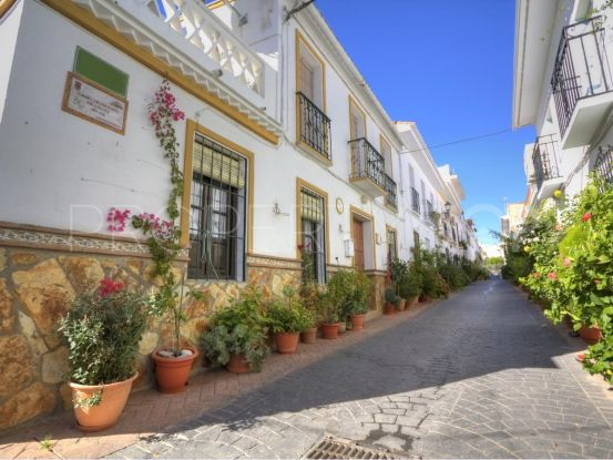 Buy town house in Guaro | Michael Moon