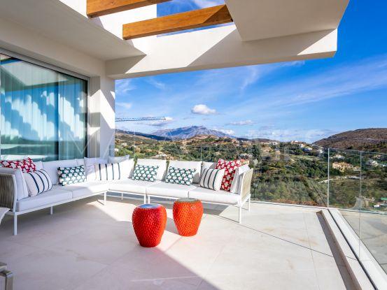 Apartamento en venta de 3 dormitorios en Marbella Club Hills, Benahavis | Serneholt Estate