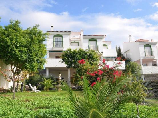 Buy town house with 5 bedrooms in Rincón de la Victoria, Rincon de la Victoria | Serneholt Estate