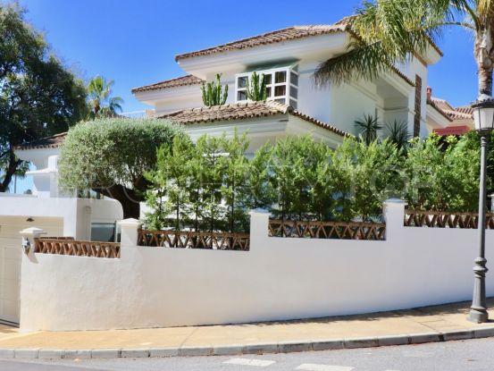 Buy villa in Marbella Golden Mile with 4 bedrooms | Serneholt Estate
