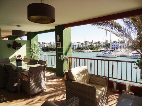 Apartamento en venta con 3 dormitorios en Marina de Sotogrande | Serneholt Estate