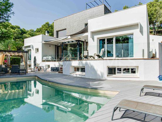 Buy villa in Pinares de San Antón with 5 bedrooms | Handberg Estates