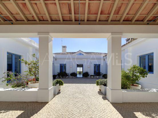 Buy Monte Mayor villa with 5 bedrooms | Edward Partners