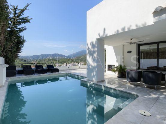 4 bedrooms villa in Las Lomas de Nueva Andalucia for sale | Edward Partners