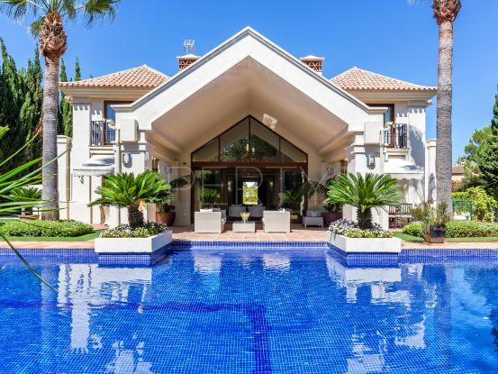 Villa for sale in Aloha | Edward Partners