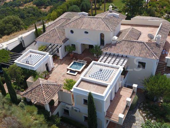 Buy 6 bedrooms villa in New Golden Mile | Lucía Pou Properties