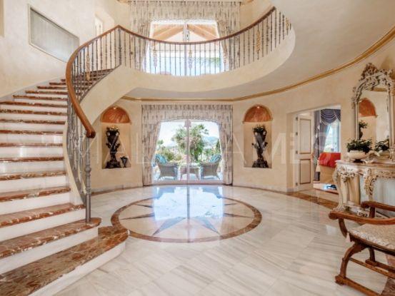 For sale villa with 4 bedrooms in Ctra. De Ronda | Lucía Pou Properties