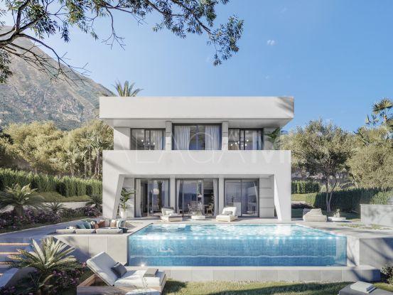 Buy villa with 3 bedrooms in Manilva | Lucía Pou Properties