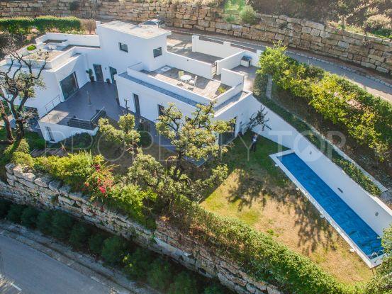 Villa with 4 bedrooms in Marbella East | Lucía Pou Properties