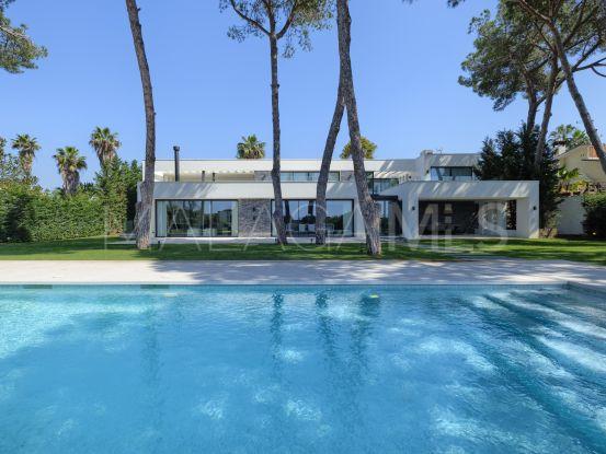 Villa a la venta con 6 dormitorios en Marbella Este | Lucía Pou Properties