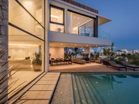 Villa for sale in Capanes Sur with 6 bedrooms | Cleox Inversiones