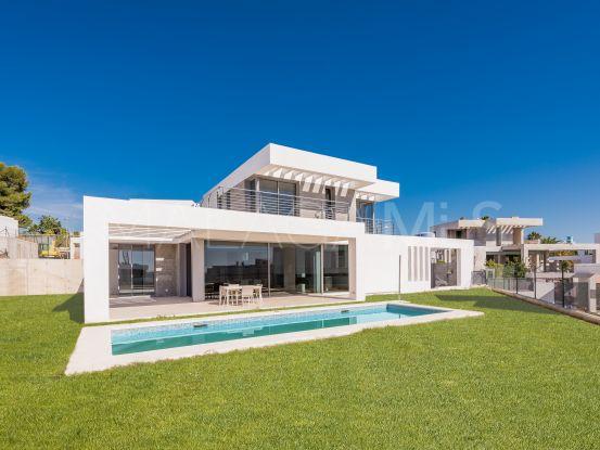 Villa en Syzygy de 4 dormitorios | Cleox Inversiones